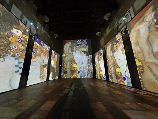 <em>Klimt Experience</em>