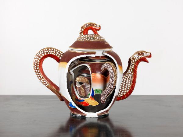 Collezione FF, ceramiche tagliate, 19x24x16 cm. I Ph. D. Lasagni, 2012