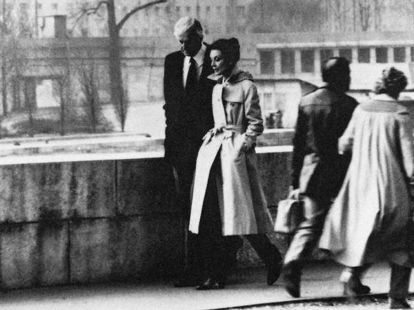 <span>Audrey Hepburn en Hubert de Givenchy in Paris, 1982. Foto di Jacques Scandelari. Courtesy Hubert de Givenchy</span>