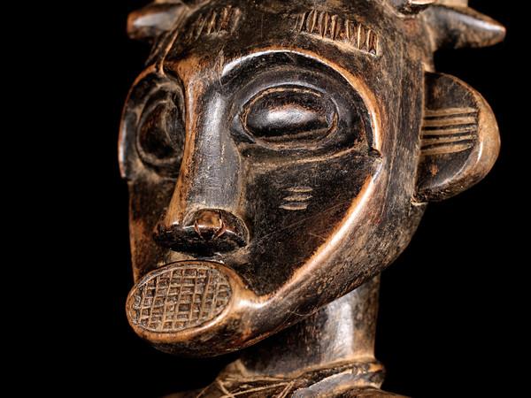 Particolare di statua Deblé femminile Senoufo-Costa d'Avorio