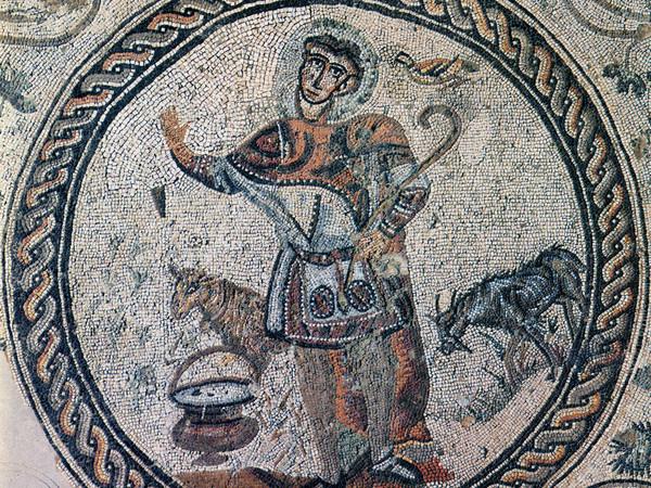 Mosaico del Buon Pastore dall'abito singolare