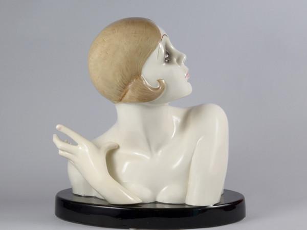 Sandro Vacchetti, Busto, terraglia 1930, modello 161, h.44 x42x26
