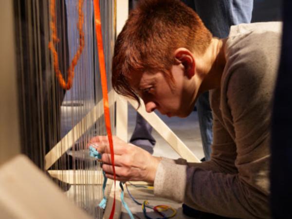 Esercizi di filatura del tempo tra arte e bioenergetica