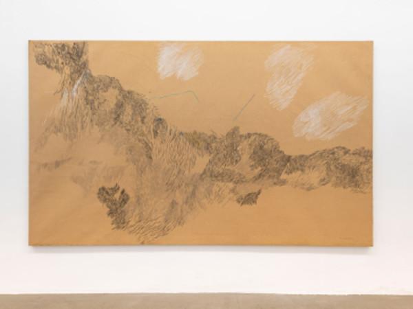 Elisa Montessori, Paesaggio della Manciuria, 1981. Carta telata, carboncino, gesso, pastelli; 202 x 340 cm. I Ph. Giorgio Benni