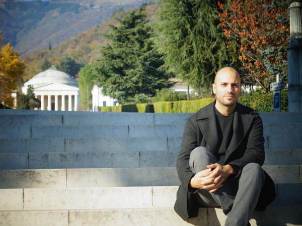Intervista all'autore del romanzo dedicato allo scultore