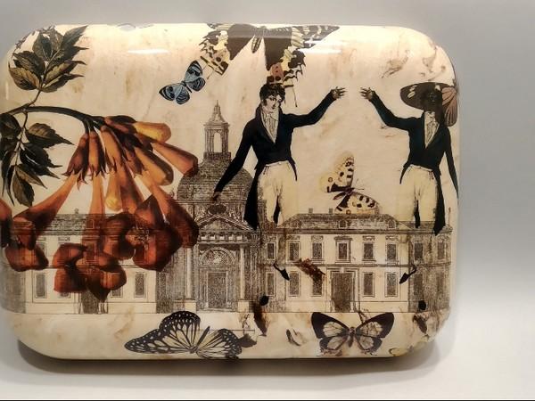 Fabio Taramasco, Formella, 2020-21, ceramica con collage fotoceramico, cm. 22,5x31x5