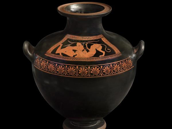 Eracle atterra il leone di Nemea, hydria attica a figure rosse attribuita al Gruppo dei Pionieri, 510 a. C. ca., Antikenmuseum Basel und Sammlung Ludwig
