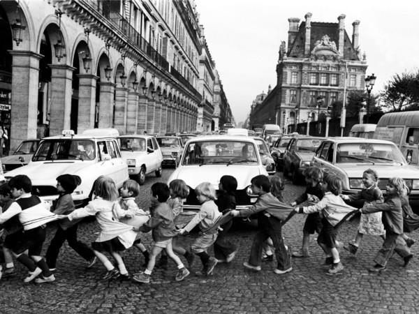 Robert Doisneau, <em>Les tabliers de Rivoli</em>, Paris 1978 | &copy; Atelier Robert Doisneau