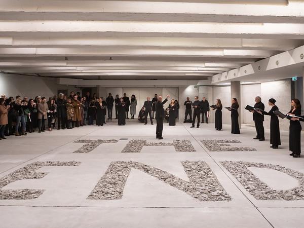 <span>Piero Golia, performance presso La Fondazione, Roma, 2020</span>