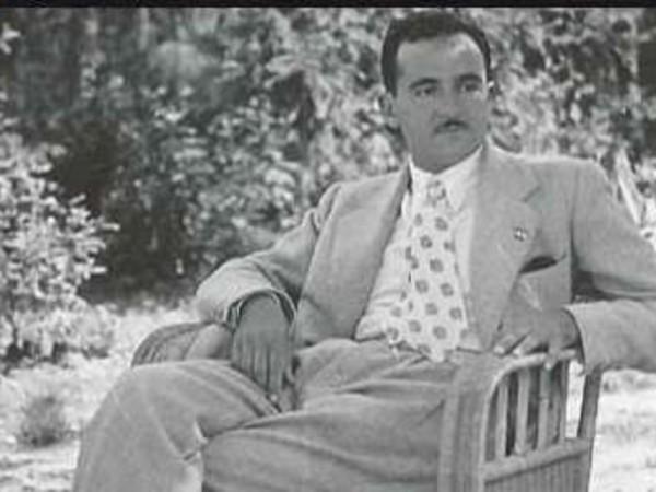 Il giovane Luigi Magnani nel parco della Villa