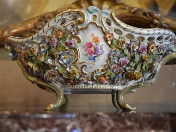 Ceramiche e porcellane tra storia e collezionismo