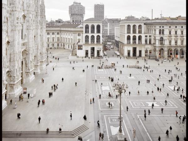 <span>Vincenzo Castella,</span><em>#05</em><span><em>Milano</em>,</span><span>2013, C-Print,55x70 cm.</span>