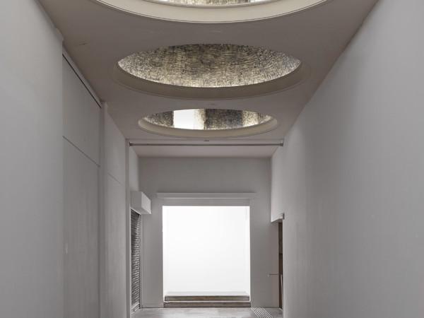 Olivier Kosta-Théfaine, Soffitto, Palais de Tokyo, 2016
