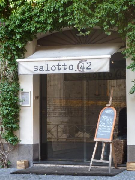 Salotto 42