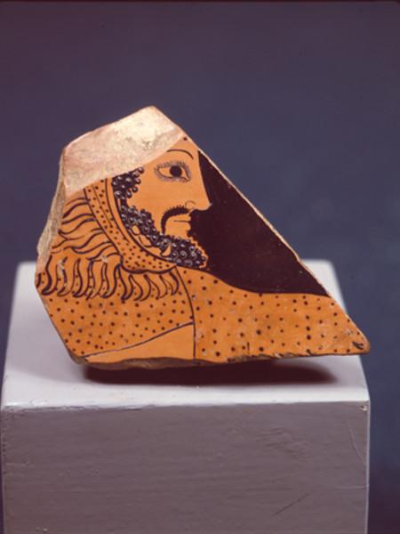 Frammento di vaso con Testa di Eracle