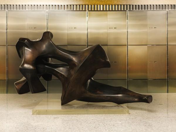 Gianni Grimaldi, Immagine del Tempo, bronzo, 1973, cm 99x55x57. Collezione Banco BPM low