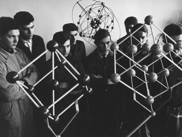 Laboratorio di Meccanica Olivetti, Ivrea, stampa ai sali d'argento su carta, XX mm, 1967 ca. AASO, Fondo Gianni Berengo Gardin