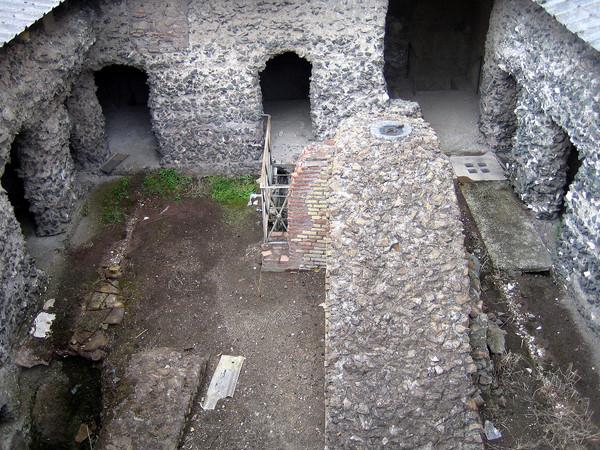 Case di Romolo, Livia, Augusto e il Lupercale