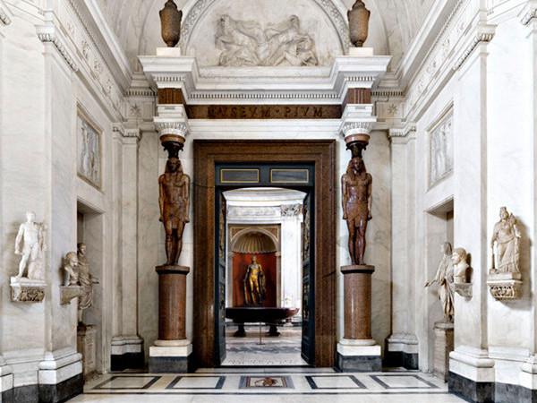Musei Vaticani, la collezione dei marmi antichi nelle fotografie di Massimo Listri