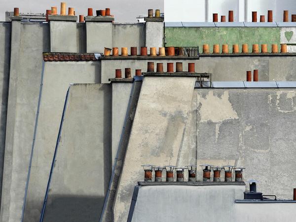 Michael Wolf, Paris Rooftops, Paris, 2014. Digital C-prints, wooden frame, museum glass 105x145,5 cm.