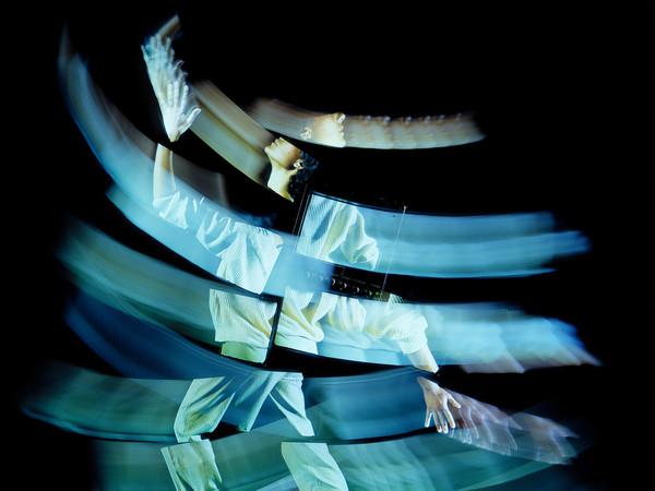 """Studio Azzurro, <em>Camera Astratta</em>, Opera video-teatrale in collaborazione con G. Barberio Corsetti, 1987, """"Documenta 8"""", Kassel (Premio UBU 1988 per il Teatro di ricerca)"""
