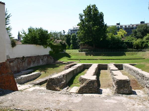 Parco archeologico dell'Anfiteatro romano - Ex Parco dei Cervi