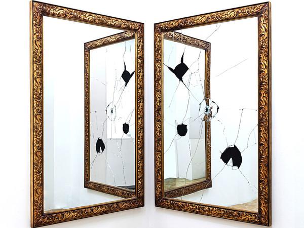 Michelangelo Pistoletto, Two Less One, 2009, legno dorato e specchio, 120x180 cm. (2 elementi)