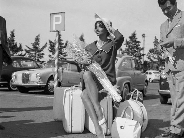 Arrivo dell'atrrice cubana Chelo Alonso all'aereoporto di Ciampino, 1959
