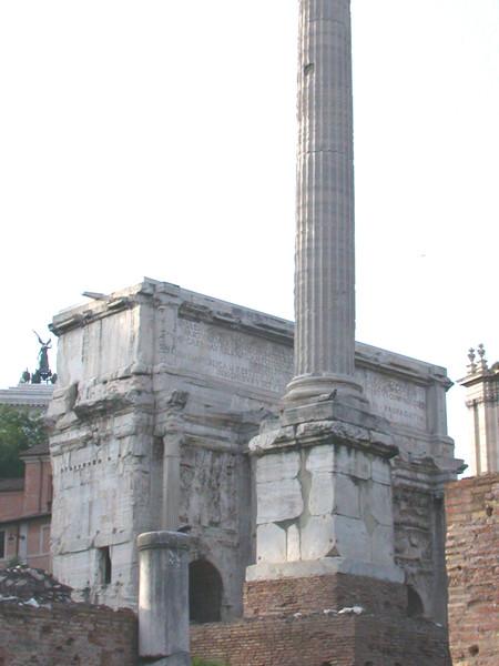 Piazza del Foro e Colonna di Foca