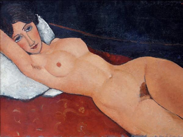 Amedeo Modigliani (Livorno,1884 - Parigi, 1920), <em>Nudo femminile sdraiato su un cuscino bianco</em>, 1917 circa, Olio su tela, Staatsgalerie Stuttgart | Foto: José Luiz via Wikimedia Creative Commons<br />