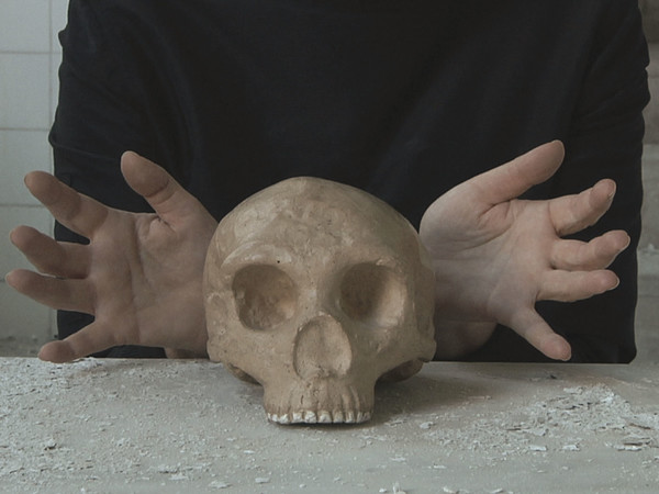 Marina Abramović, <em>Vanitas</em>, Dalla serie <em>The Kitchen, Homage to Saint Therese</em>, Installazione video, colore, 2009 | © Marina Abramović | Courtesy of the Marina Abramović Archives