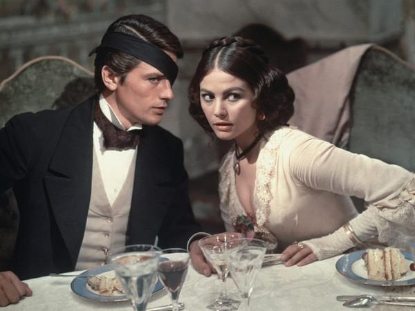 Claudia Cardinale e Alain Delon sul set di Il Gattopardo di Luchino Visconti, 1963