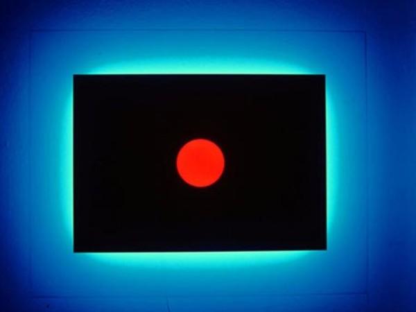 Nanda Vigo, Light Progressions, 1993, cm 140x110x185, vetro laccato e satinato neon blu neon rosso. Omaggio a Fontana