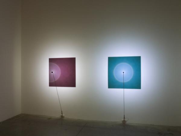 Fabrizio Corneli, Halo, 2015, installazioni, materiali vari su alluminio verniciato, led, dimensione alluminio, cm. 100x100