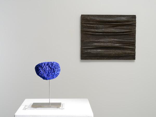 """Opera dalla mostra """"Dialoghi"""", Studio Gariboldi, Milano"""