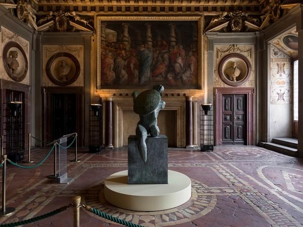Henry Moore, Guerriero con scudo, 1953-54. Palazzo Vecchio, Firenze