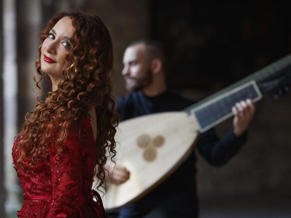 Masquevoces, Estrella Cuello Ramón (soprano) e Josías Rodríguez (tiorba e chitarra barocca)