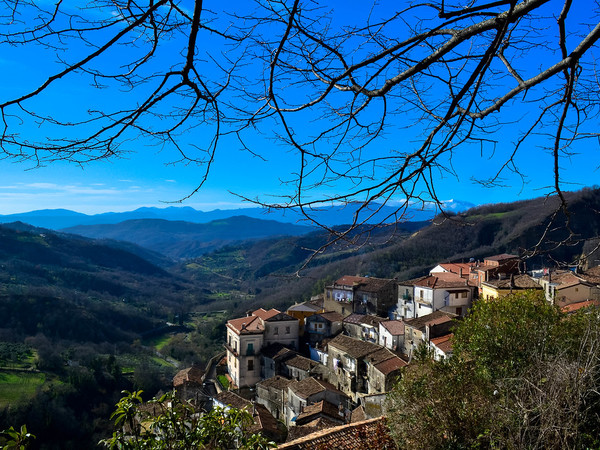 "Il borgo medievale Manca, sede del Museo Internazionale del Presepio ""Vanni Scheiwiller"""