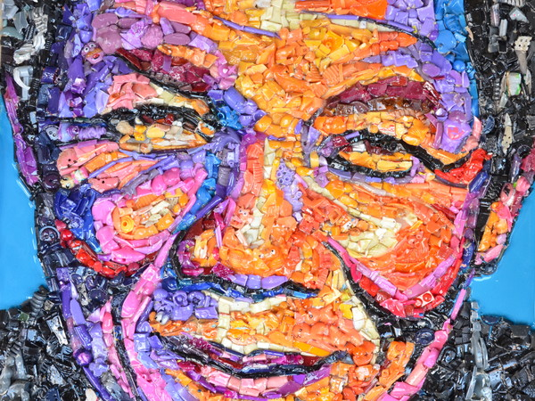 Lady Be, Nelson Mandela, 2017, oggetti e resina su tavola, cm. 40x40