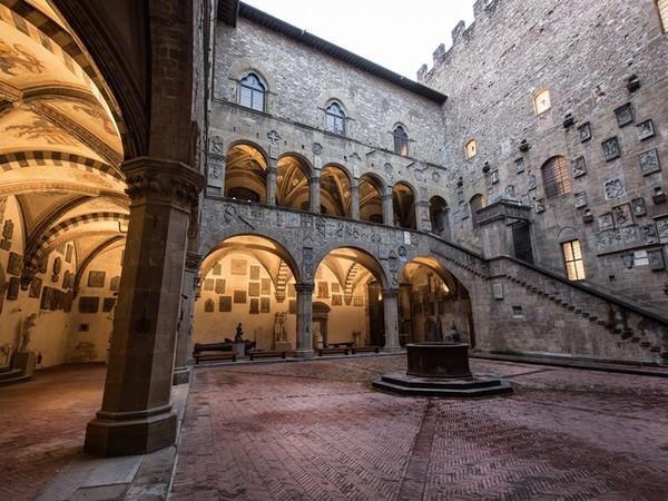 Museo Nazionale del Bargello, Firenze, cortile