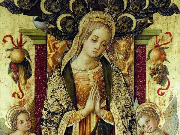 Vittore Crivelli, <em>Madonna orante il Bambino e angeli musicanti</em>, Ultima decade del XV secolo, Tempera su tavola, 83 x 160 cm, Sarnano (MC), Pinacoteca Civica Rete Museale dei Sibillini