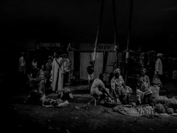 Alex Majoli, Scene #1095. Republic of Congo, 2013. Pointe Noire market