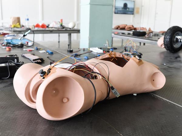 Geumhyung Jeong, Small Upgrade, 2019, mixed-media installation