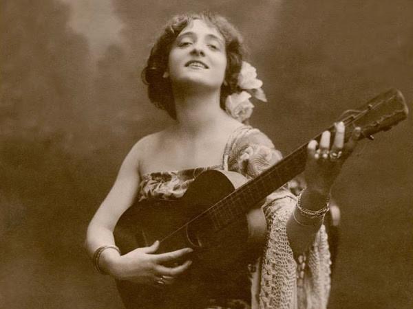 Lyda Borelli in<em> Malvaloca</em>, 1912, Fotografia Kaulak (Part.), Collezione privata