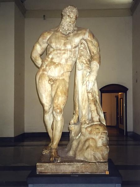 Statua di Ercole detto Ercole Farnese