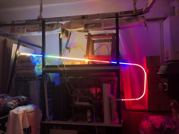 Cuoghi Corsello, Uncino, 2018. Assembled neon, transformers, cabling, neon assemblati, trasformatori, cavi, 54x206 cm.
