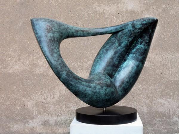 Alfredo Mazzotta, Figura in contorsione, 2010. Bronzo patinato, cm. 45hx60x30