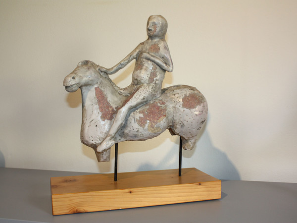 Marino Marini, Cavaliere, 1944, ceramica terracotta dipinta e invetriata, cm. 29,5x29,5x12