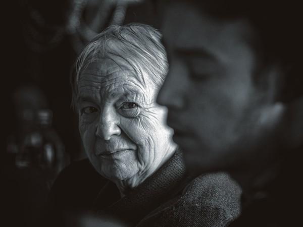 Carlo Sguazzini, Lo sguardo preoccupato della nonna