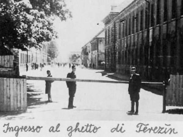 <em>Ingresso al ghetto di Terezín</em>